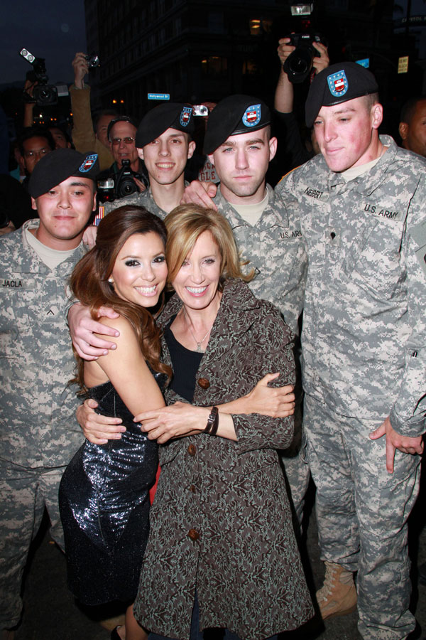 Hot Stuff Eva Longoria Certainly Likes to Be Among Soldiers ;) (8 pics)