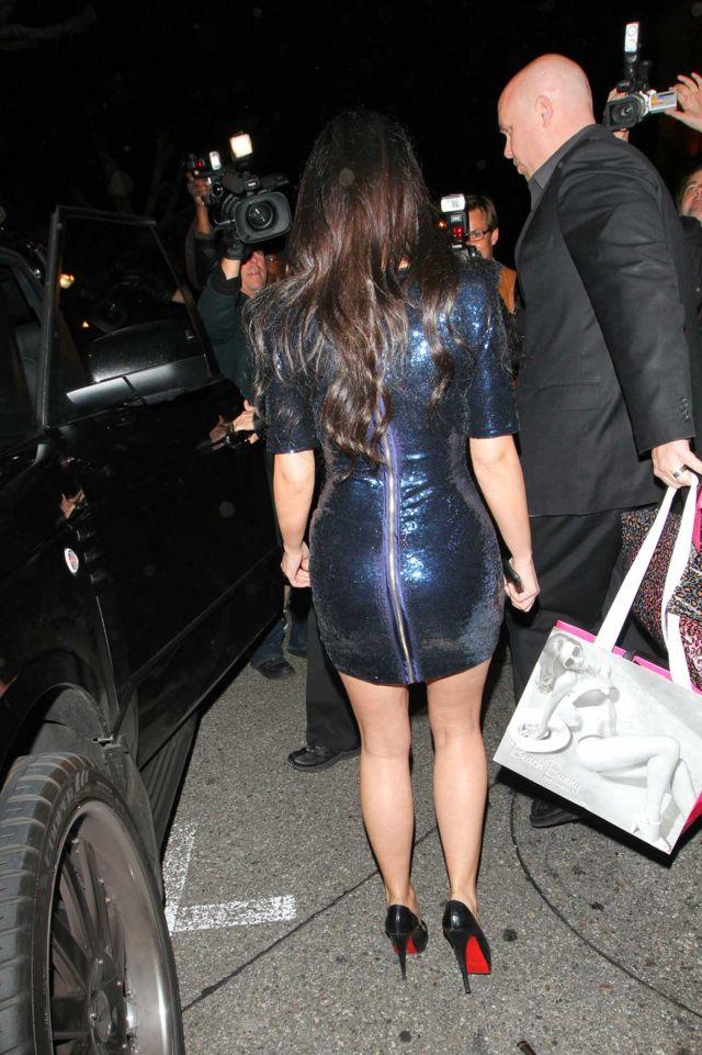 Kim Kardashian is a Sex Tight Dress (6 pics)