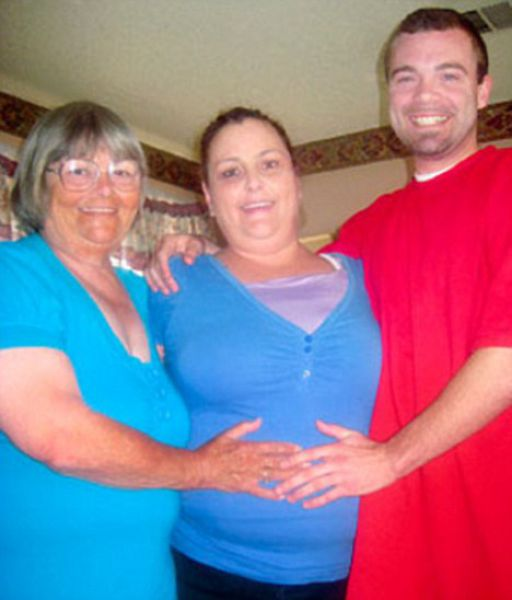 72-Year-Old Grandmother Has a 26-Year-Old Lover…. Her Grandson! (3 pics)