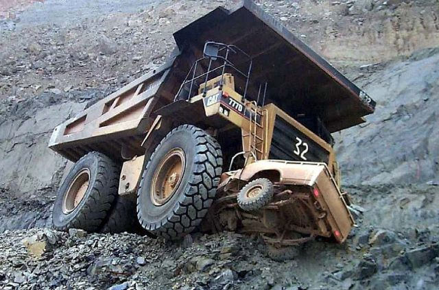 Dangerous Work in a Quarry(19 pics)