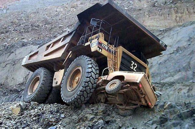 Dangerous Work In A Quarry 19 Pics Izismile Com