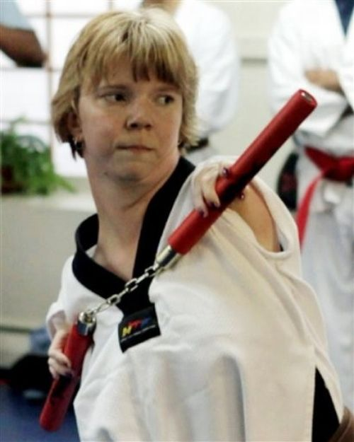 A Girl with No Arms or Kneecaps Goes for Taekwondo Black Belt (5 pics)