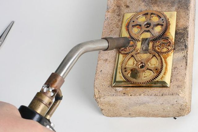 Great Steampunk Light Switch Plates (11 pics)