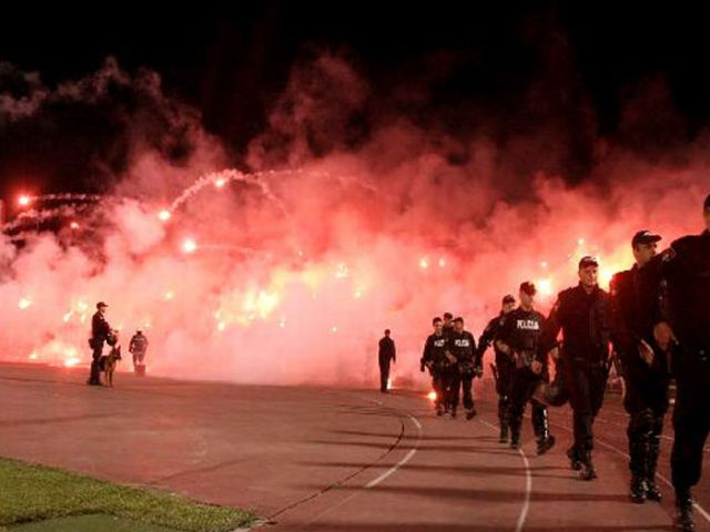 How Soccer Fans Party (26 pics)