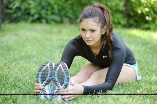 Vampire Diaries' Nina Dobrev Is Very Hot and Flexible (11 pics)