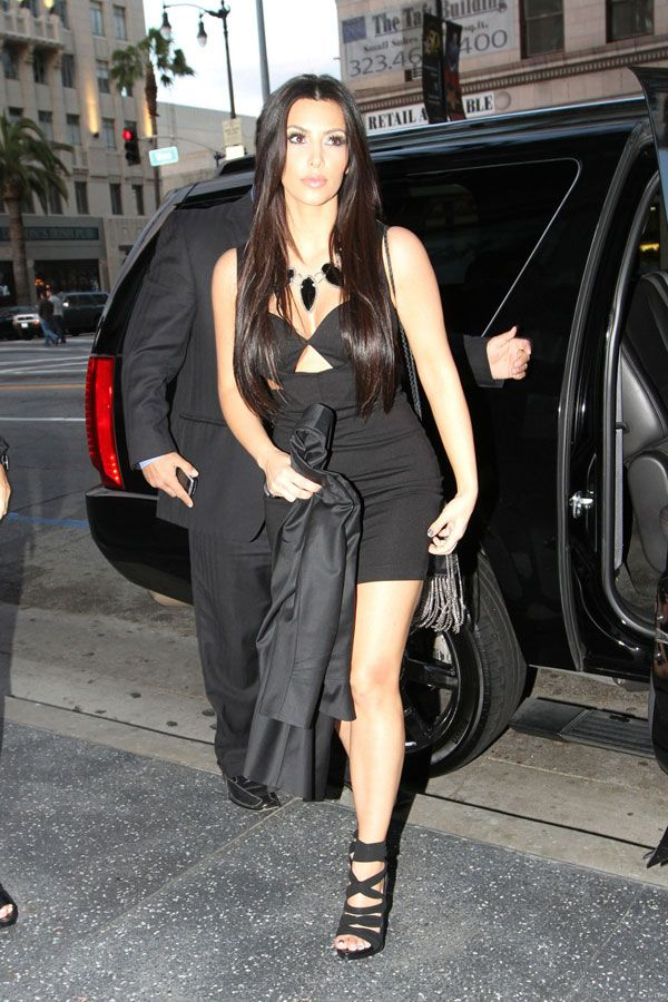Kim Kardashian in a Sexy Black Dress (11 pics)
