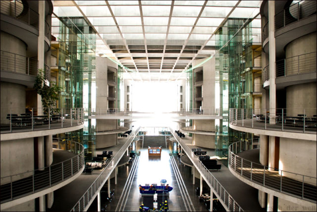 Photo Excursion to the Reichstag Building, Berlin (26 pics)