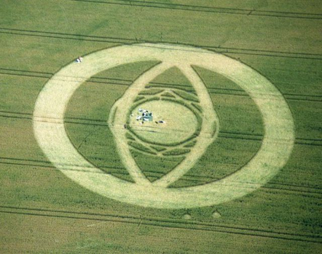 Signs Left by Aliens (57 pics)