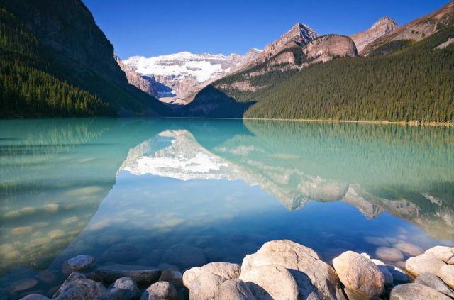 Marvelous Lake Louise (30 pics)