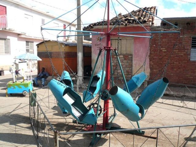 Mexican Amusement Park for Children (18 pics)