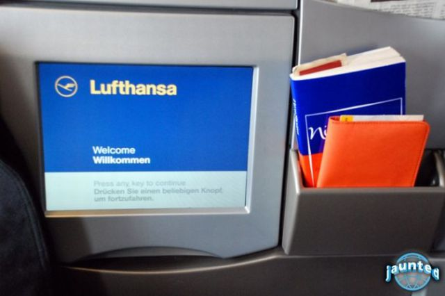 On Board the Lufthansa A380 (25 pics)
