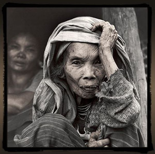Portraits of Tribal People (152 pics)