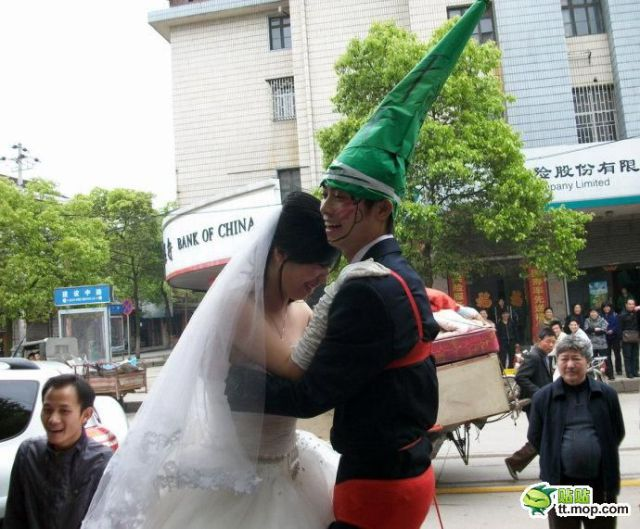 Crazy Chinese Fashion-Mongers (17 pics)