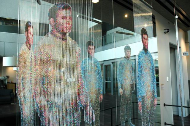 Star Trek Mirror Universe Sculpture in Washington (18 pics)