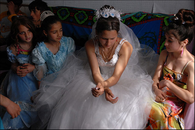 Sad Gypsy Wedding (17 pics)