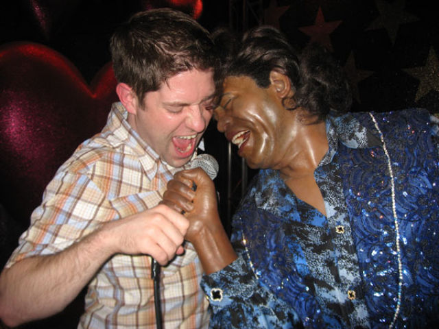 Oldie of the Day: How to Have Fun in the Waxworks Museum (26 pics)