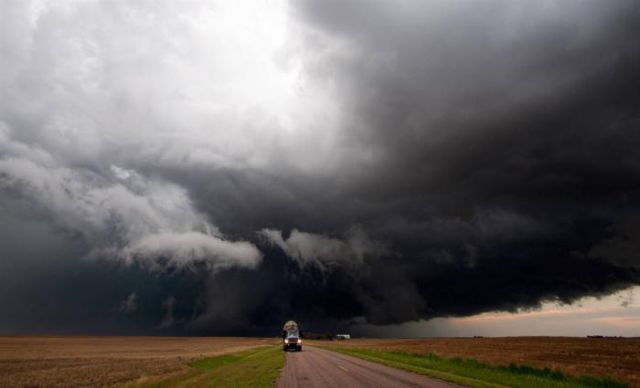 Incredible Job of Storm Catchers (13 pics)