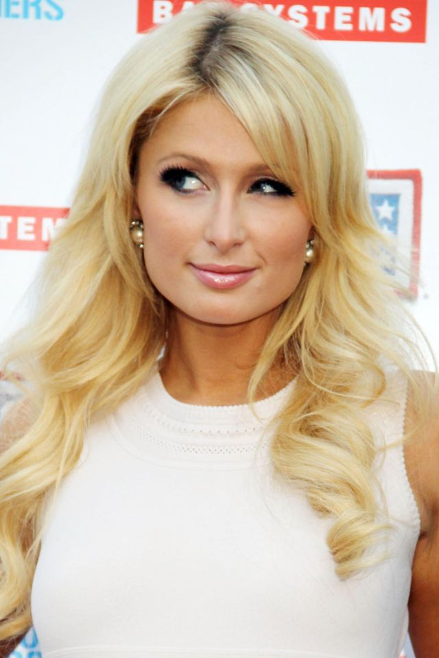 Paris Hilton Is Actively Supporting US Troops (9 pics)