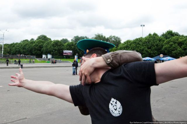 Border Guards Day in Russia: Vodka and Brawls (61 pics)