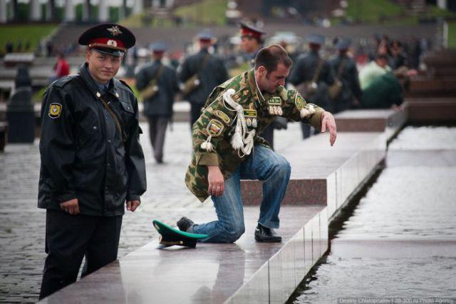 Border Guards Day in Russia: Vodka and Brawls (61 pics)
