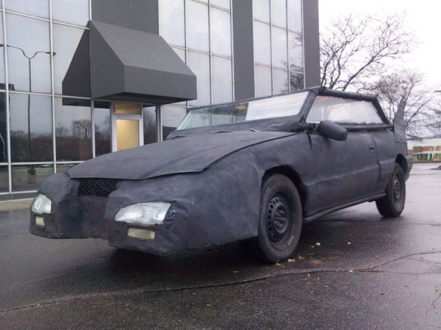 Poorly Handmade Batmobile (15 pics)