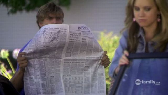 Newspapers in TV Shows (34 pics)