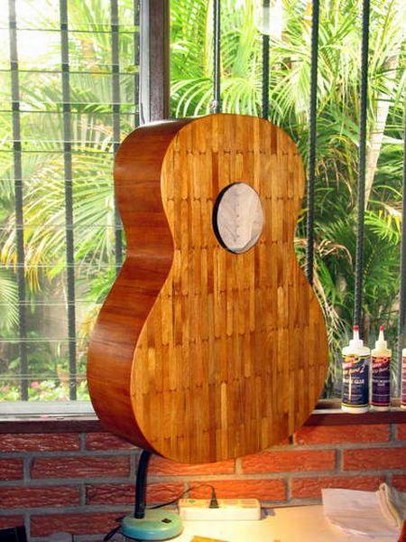 A Popsicle Guitar (15 pics)