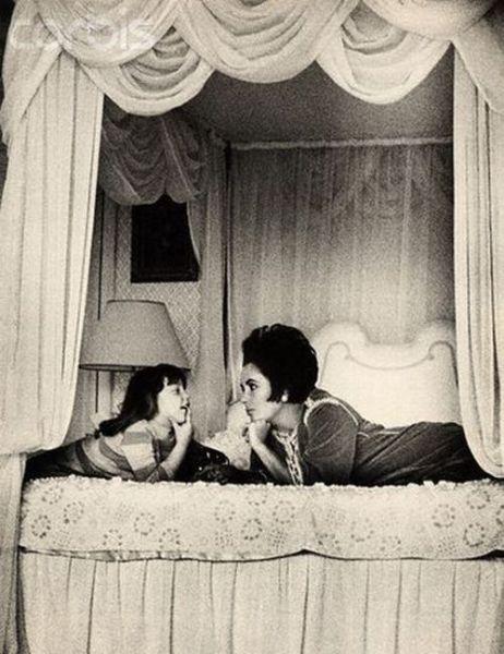 Rare Photographs of Celebrities. Part 6 (104 pics)