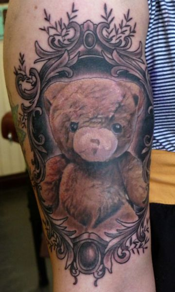 Strange, Funny, and Beautiful Tattoos (80 pics)