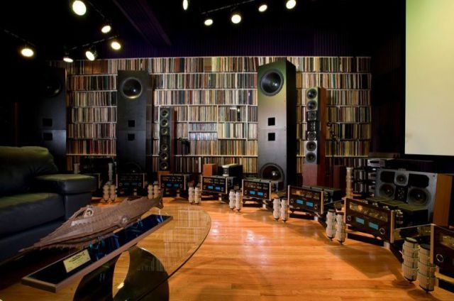 The Most Expensive and the Coolest Home Theatre in the World (22 pics)