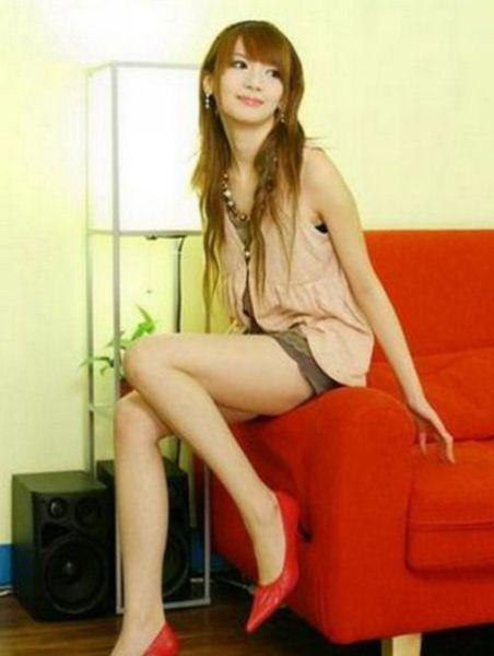 Hot Long-Legged Asian Girls (20 pics)