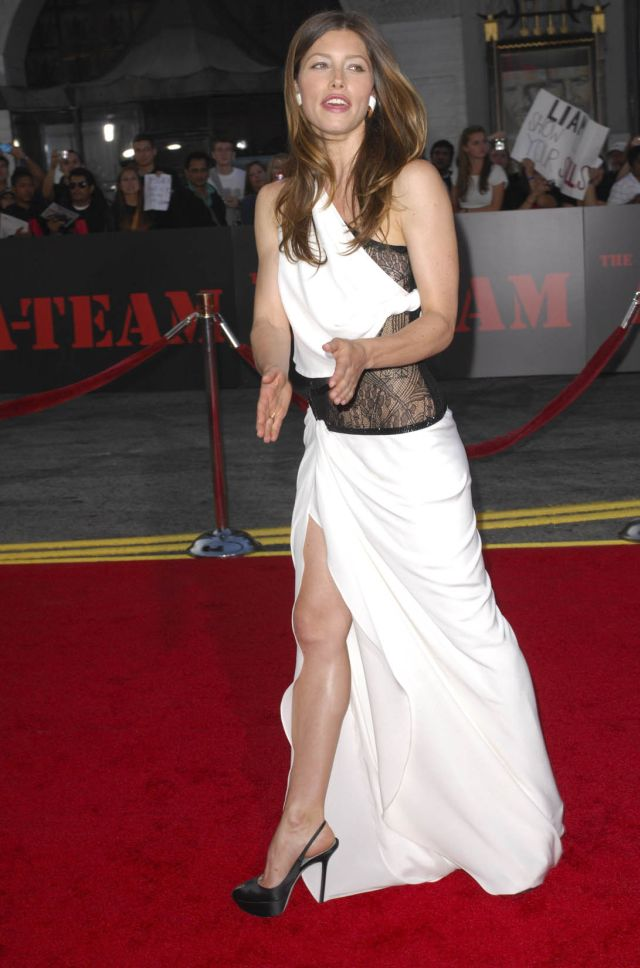 No Matter What They Say, Jessica Biel Is Hot! (9 pics)