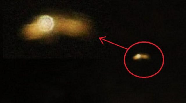 UFOs Spotted All Around the World (100 pics)