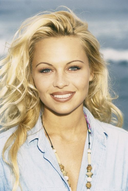 Pamela Anderson Was Super Hot When She Was Young (53 Pics