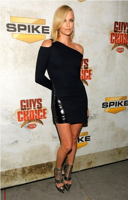 Charlize Theron at the Spike TV Guys Choice Awards (8 pics)