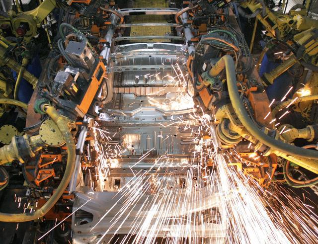 A Photo Tour at General Motors Factory (18 pics)