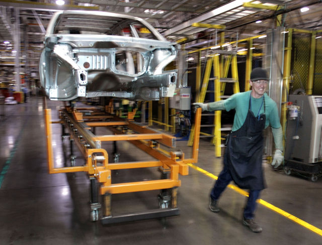 A Photo Tour at General Motors Factory (18 pics)