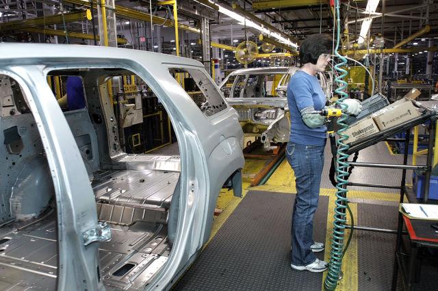 A Photo Tour At General Motors Factory 18 Pics