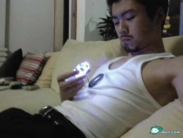 Chinese Guy Recreates Iron Man's Arc Reactor (25 pics)