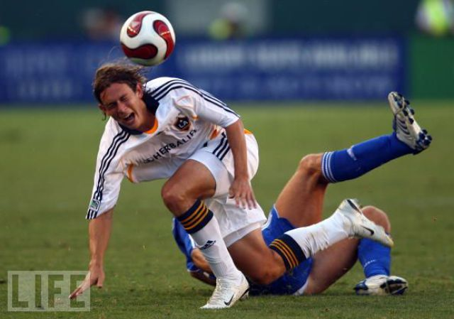 Being a Professional Soccer Player Is Also about Being an Actor! (37 pics)