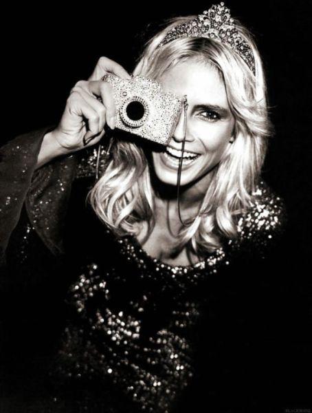 Beautiful Celebrity Photos Set (131 pics)