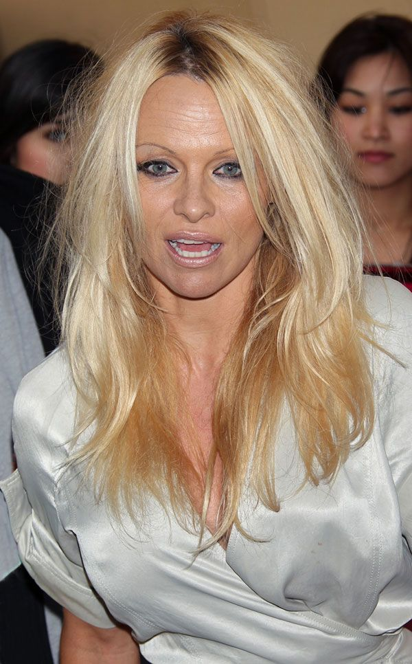 Pamela Anderson Needs a Good Rest (10 pics)