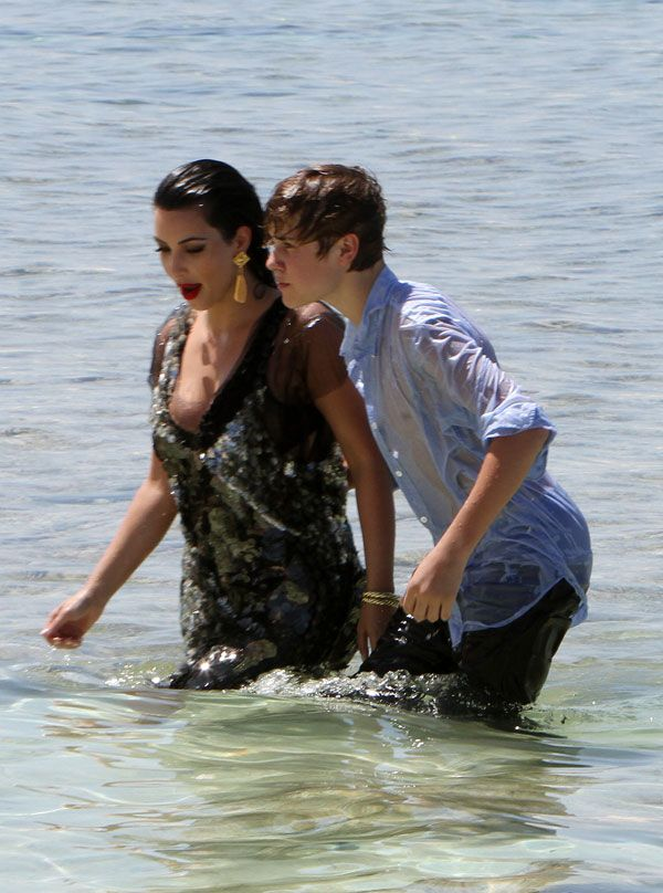 Little Boy Justin Bieber Meets Big Girl Kim Kardashian (8 pics)