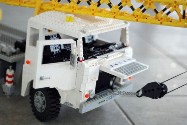 Lego Trucks and Lego Weapons (32 pics)