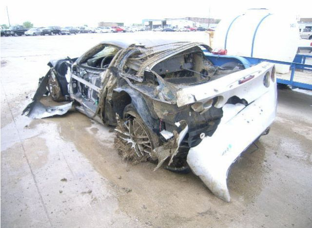 Two Crashed Supercars That Will Make Your Heart Bleed (16 pics)