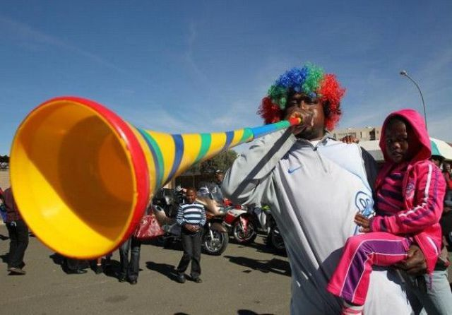 Funny Pictures about Those Annoying Vuvuzelas!! (41 pics)