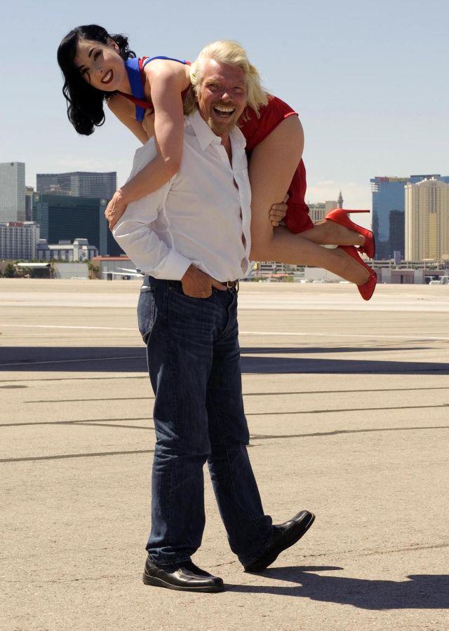 Dita Von Teese in Some Kind of Publicity Stunt (9 pics)
