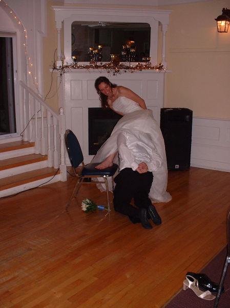 Embarrassing Garter Removals (48 pics)