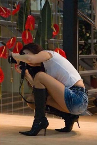 Cute Female Photographers Being photographed (41 pics)