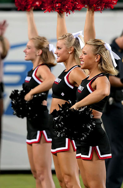 The Best Cheerleader of the Last Week (22 pics)